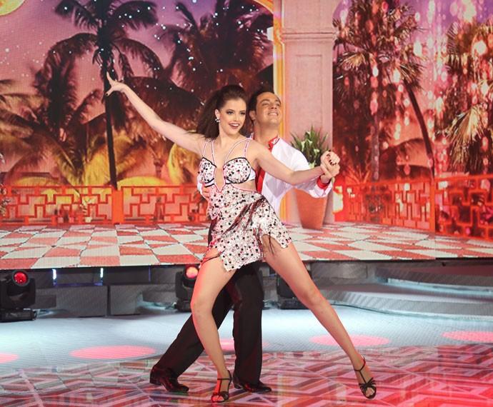 Agatha Moreira mostra todo seu talento pra dança no palco do Domingão (Foto: Carol Caminha/Gshow)