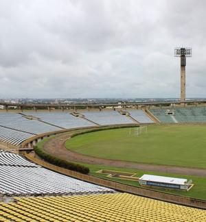 Estádio Albertão em Teresina (Foto: Josiel Martins)