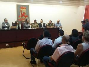 Reunião na UFPE discutiu esquema de segurança no campus (Foto: Artur Ferraz/G1)