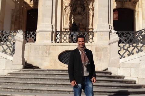 Mouhamed Harfouch na Universidade de Coimbra, em Portugal (Foto: Divulgação)