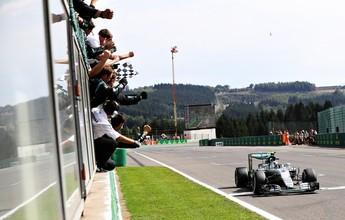 Nico vence na Bélgica, mas Hamilton vai da última fila ao pódio e segue líder