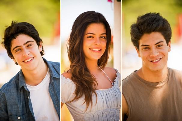 Você vai acompanhar a história Laerte (Eike Duarte), Helena (Julia Dalavia) e Virgílio (Arthur Aguiar) na novela Em Família (Foto: João Miguel JR./Globo)