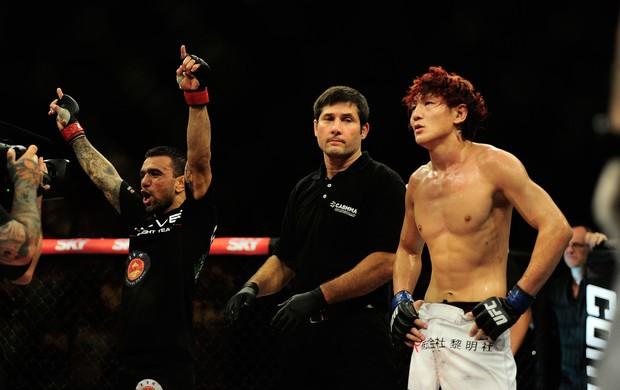 Leandro Issa x Sasaki, MMA, UFC (Foto: Marcos Ribolli)