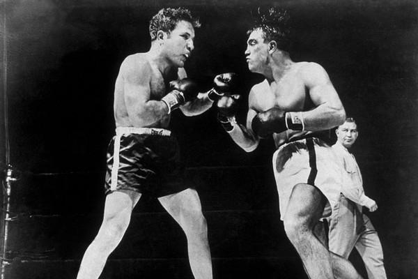 Jake LaMotta em luta de 12 rounds contra Robert Villemain em 1949, no Madison Square Garden: atleta do Bronx saiu vencedor (Foto: Getty Images)