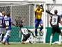 Destaque no último encontro, Fábio  chega ao 50º clássico contra o rival