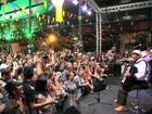 Público lota 'Arraiá de Fortaleza' para show do sanfoneiro Dominguinhos