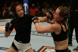 Michele Waterson Angela Magana TUF 21 Finale (Foto: Getty Images)
