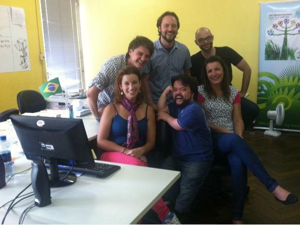 Equipe do setor de mídias sociais é formad por profissionais entre 25 e 38 anos (Foto: Fernando Castro/ G1)