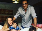 Luciano Szafir posa com Luhanna Melloni e os filhos do casal