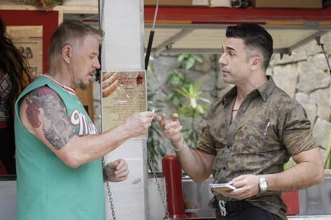 Miguel Falabella grava com Jarbas Homem de Mello (Foto: Rafael Sorín/ TV Globo)