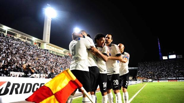 Guerrero gol Corinthians (Foto: Marcos Ribolli / Globoesporte.com)
