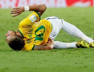 neymar machucado brasil x colombia