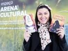 Com 1,2 milhão de leitores na net, jovem escritora luta contra gordofobia