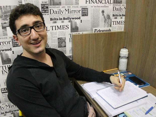 Arthur foi aprovado no curso de Medicina em quatro universidades públicas (Foto: Arthur Oliveira/ Arquivo pessoal)