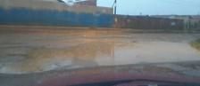 Morador reivindica asfalto e iluminação ( Glemerson Santos/VC no G1)