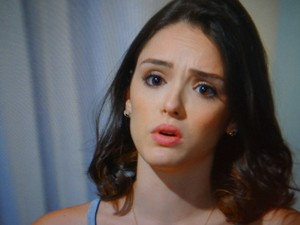 Cida fica tensa com a proposta de Conrado (Foto: Cheias de Charme / TV Globo)