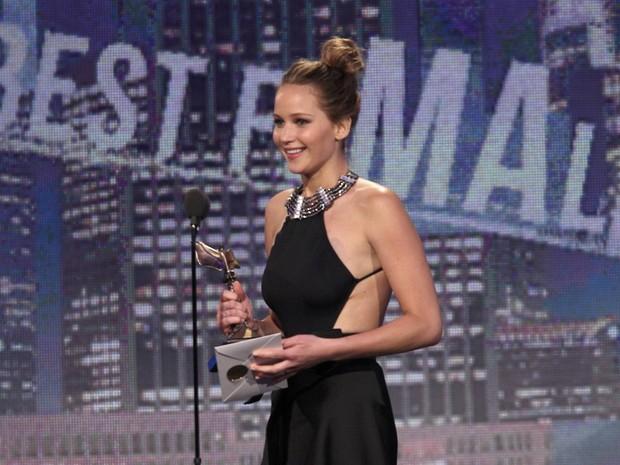 Jennifer Lawrence ganha prêmio de melhor atriz pelo filme 'O lado bom da vida'; ela pode repetir a dose, pois é indicada na mesma categoria no Oscar 2013 (Foto: Reuters)