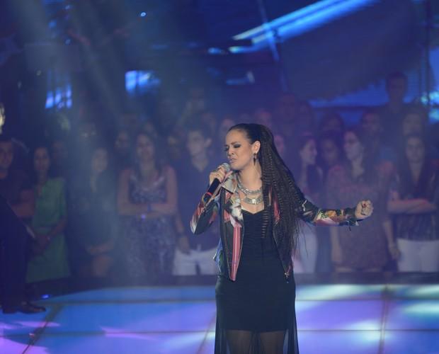 Maria Alice canta 'Memórias'  (Foto: Camila Serejo/Gshow)