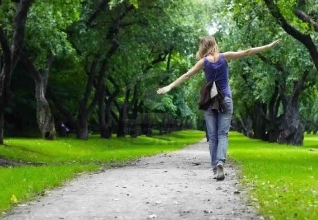 Relaxar ; andar no parque ; livrar-se do estresse ; sons da natureza ; atividade física ;  (Foto: Thinkstock)