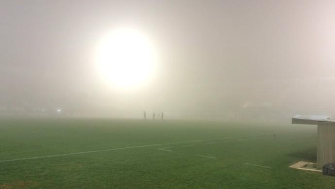 Arena Condá, Chapecoense x Atlético-PR, neblina (Foto: Laion Espíndula)