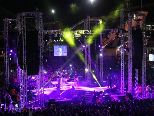 Característica da turnê é palco cercado pelo público em 360º graus (Foto: Romulo de Sousa/G1 AM)