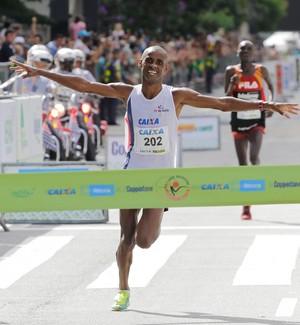 Giovani dos Santos São Silvestre quinto lugar atletismo (Foto: Estadão Conteúdo)