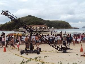 Curiosos lotaram a praia do Peró para acompanhar os trabalhos da equipe da novela das 9 (Foto: Arquivo pessoal/Alexandre Vidal)