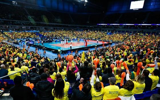Liga Mundial de Vôlei. A seleção brasileira perdeu para a França na final realizada na Arena da Baixada, em Curitiba (Foto: Getty Images)