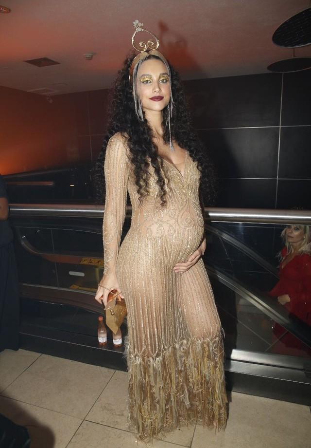 Débora Nascimento (Foto: Vogue Brasil/ Arthur Vahia)