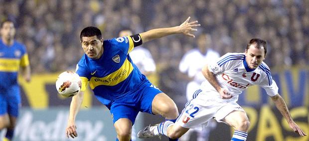 Riquelme na partida do Boca Juniors contra o U. de Chile (Foto: AFP)