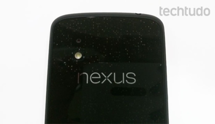 Câmera do Nexus 4 tem 8 megapixels de resolução (Foto: Isadora Díaz/TechTudo)