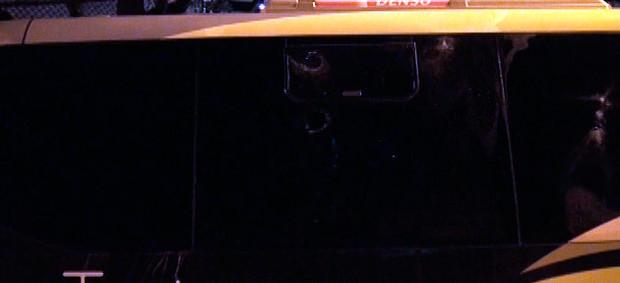ônibus da fifa apedrejado em salvador (Foto: Imagens/TV Bahia)