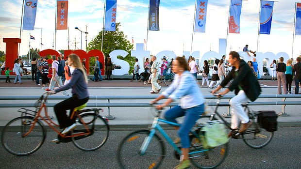 bicicleta trânsito ciclovia Amsterdã (Foto: Getty Images)