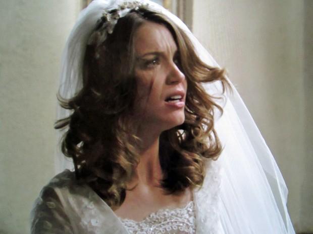 Laura fica chocada com a ousadia de Marcos (Foto: TV Globo)