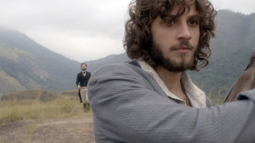 Ao chegar no local do encontro, descobre que é Thomas que o aguarda! (Foto: Reprodução / TV Globo)