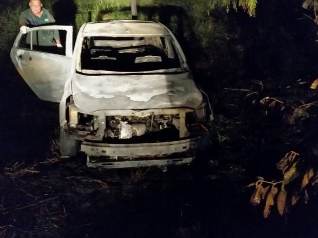 Corpo de professor foi encontrado carbonizado dentro de carro em São Carlos (Foto: Polícia Civil/ Divulgação)