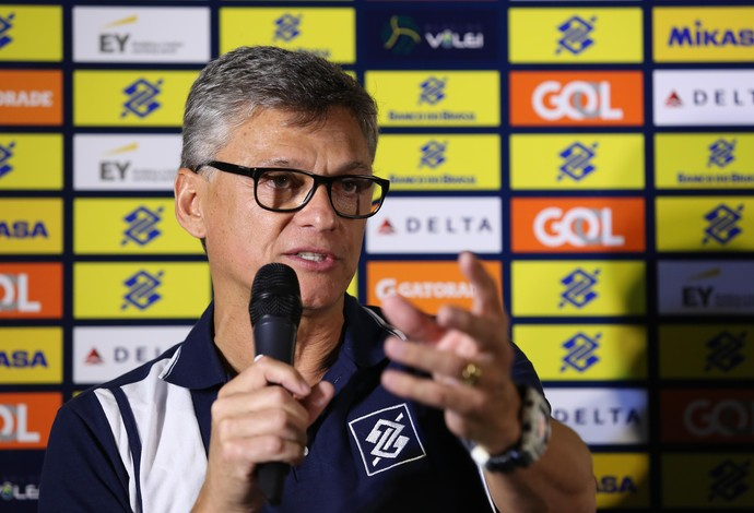 Renan Dal Zotto coletiva vôlei (Foto: Divulgação/CBV)