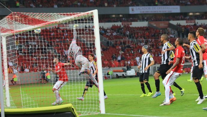 valdivia inter internacional santos beira-rio gol (Foto: Diego Guichard/GloboEsporte.com)