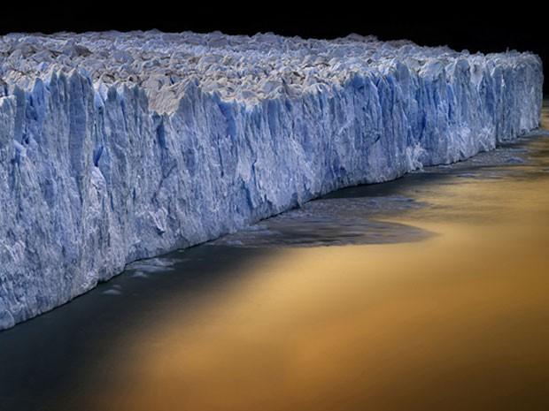 Foto do parque nacional de Torres del Pine, no Chile. (Foto: Ignacio Palacios/www.tpoty.com/BBC)