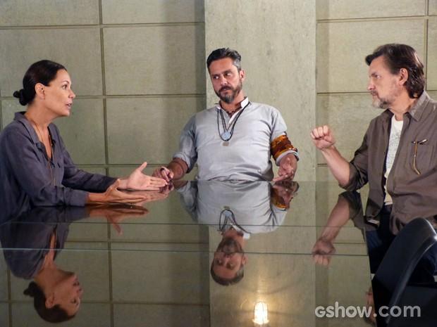 Tereza diz que vai dar uma chance para William, mas quer todos de olho no sobrinho (Foto: Além do Horizonte/TV Globo)