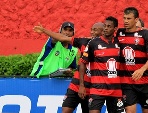 tartá marquinhos vitória x ceará (Foto: Felipe Oliveira/AGIF/Agência Estado)