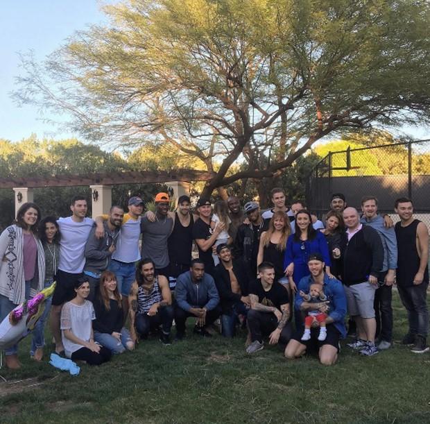 Channing Tatum com família e amigos (Foto: Reprodução / Instagram)