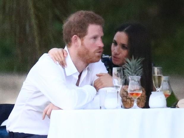 Príncipe Harry e Meghan Markle em casamento na Jamaica (Foto: Grosby Group/ Agência)