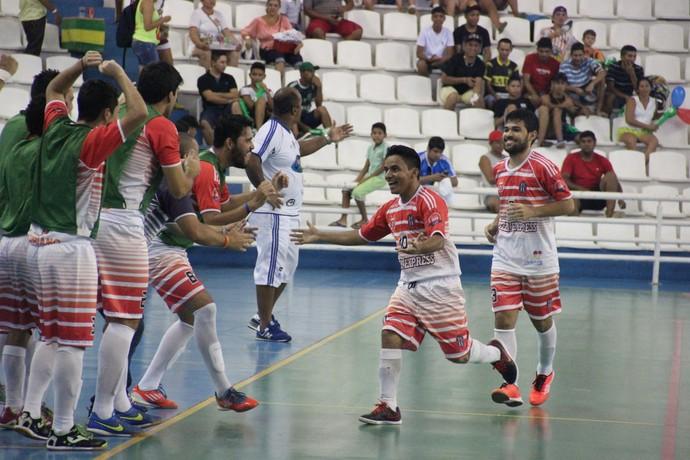 Sociedade EC e Léo Gás disputaram o terceiro lugar masculino (Foto: Marcos Dantas)