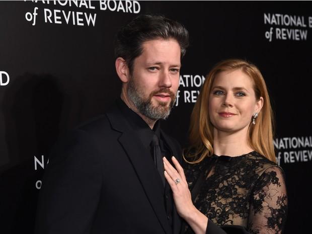 Amy Adams e o marido, Darren Le Gallo, em evento em Nova York, nos Estados Unidos (Foto: Jamie McCarthy/ Getty Images/ AFP)