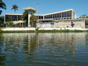 Aplicação de compostos químicos na Pampulha tem dado resultados positivos, diz PBH (Foto: Prefeitura de Belo Horizonte/Divulgação)