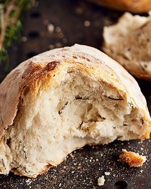 Pão de batata e alecrim (Foto: Elisa Correa/Editora Globo)