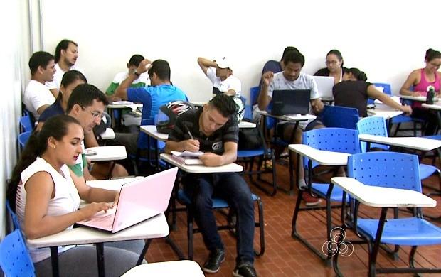 Universidade Federal do Acre ainda busca parcerias para implantar projeto do curso à distância (Foto: Acre TV)
