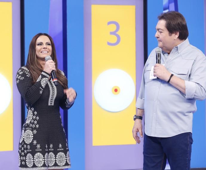 Viviane Araújo no palco do Domingão (Foto: Ellen Soares / Gshow)
