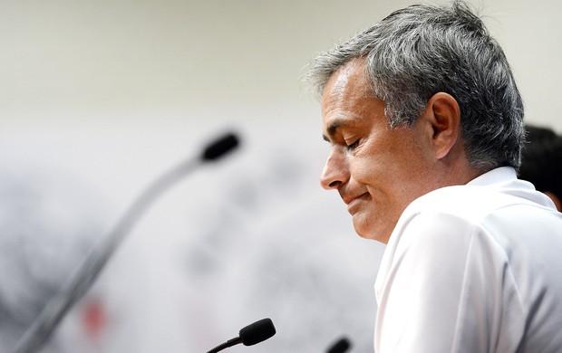 José Mourinho na coletiva do Real Madrid (Foto: AFP)